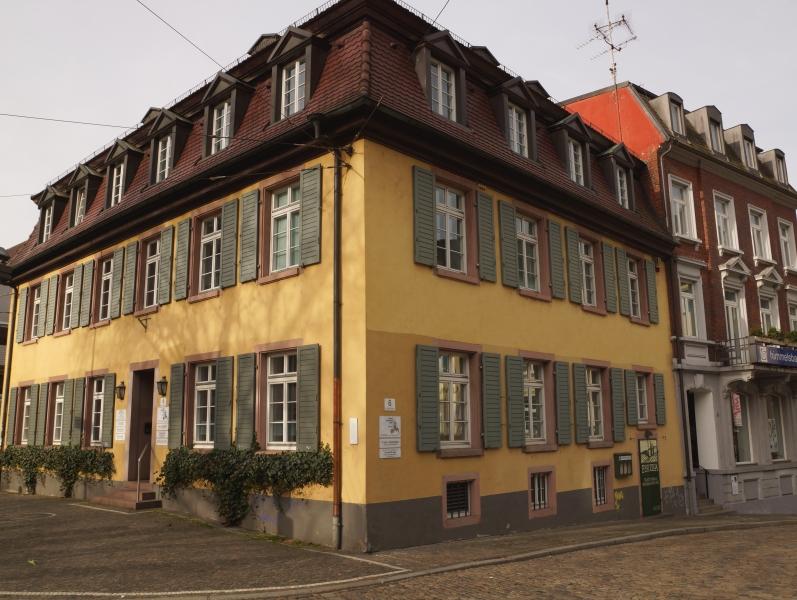 Aussen-mit-Himmelsbach_15p